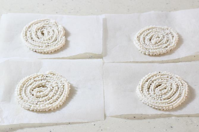 shaping spirals for murukku