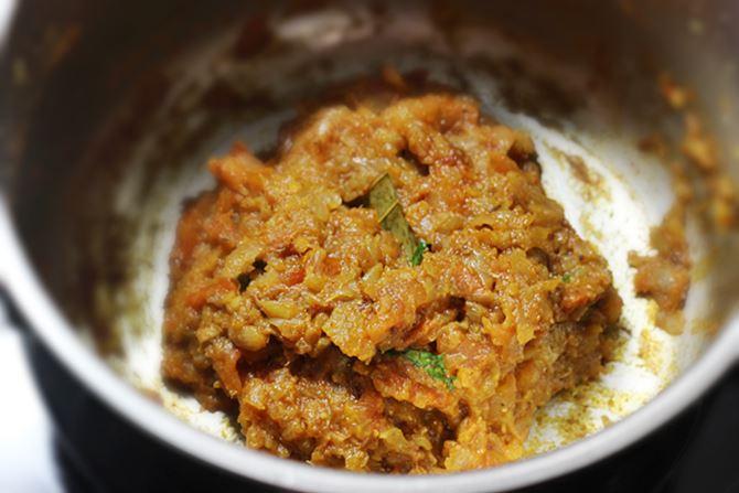 sauteing korma masala to make veg kurma recipe
