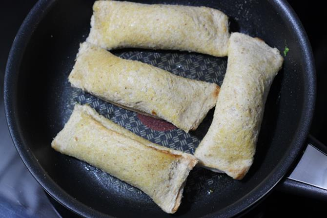 shallow frying bread paneer roll