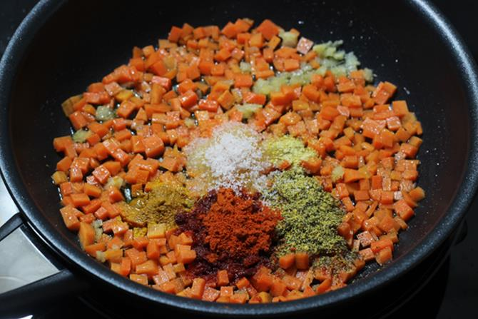 addition of spice powder in gajar ka achar recipe