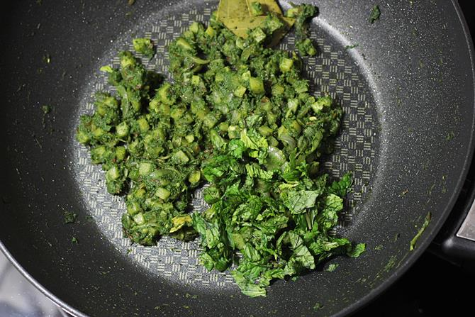 mint leaves for palak rice recipe