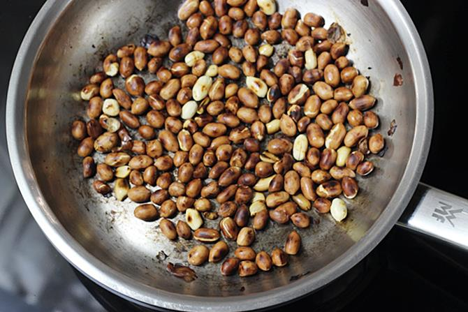 frying groundnuts for peanut onion chutney