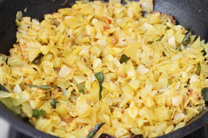 frying steamed cabbage for curry