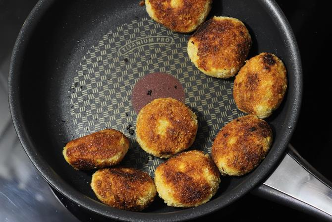 pan frying patty on the sides