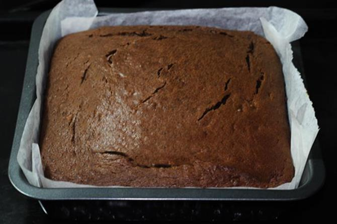 baked chocolate banana cake at 160 c