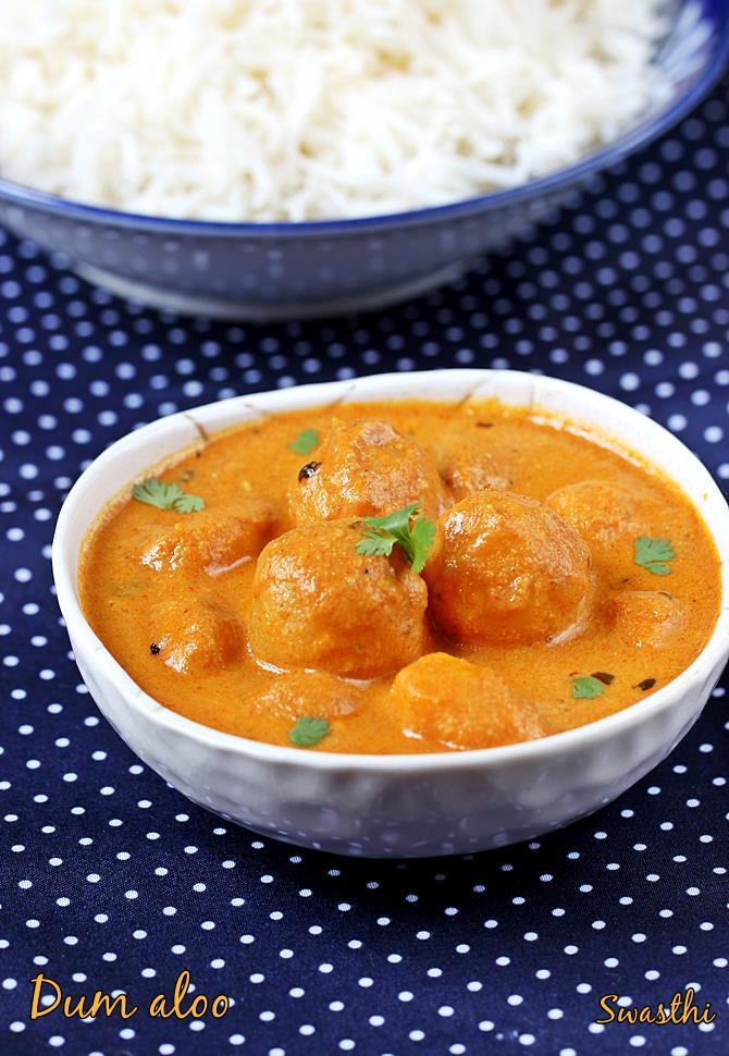 Dum aloo recipe restaurant style punjabi dum aloo curry recipe forumfinder Image collections