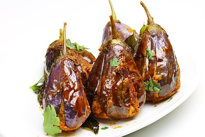 gutti-vankaya-fry-stuffed-brinjal-recipes
