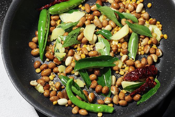 ginger chilies curry leaves to make mamidikaya pulihora