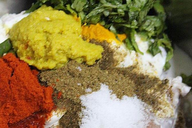 herbs and spice powders for marination
