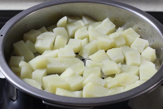 steamed potatoes for masala dosa