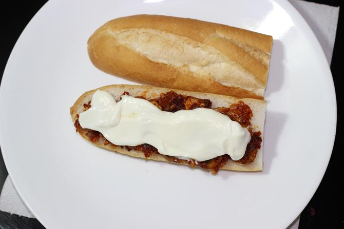 mayo to make sandwich