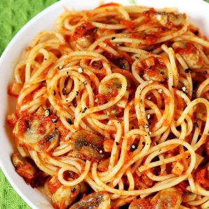 Mushroom pasta recipe | Easy tomato mushroom spaghetti recipe