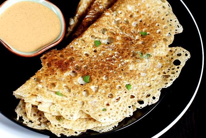 Oats recipes 32 easy indian oats recipes quick oatmeal recipes oats dosa you can make these in 2 ways instant dosa and with leftover dosa batter both recipes included in the same post both turn out delicious and forumfinder Images