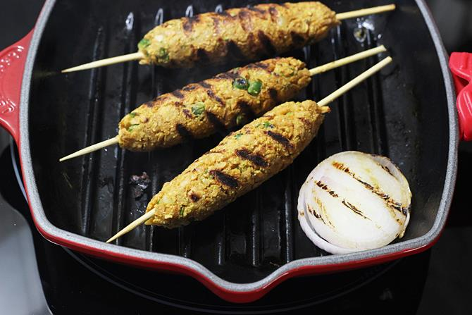 addition of sliced onion for soya seekh kabab recipe