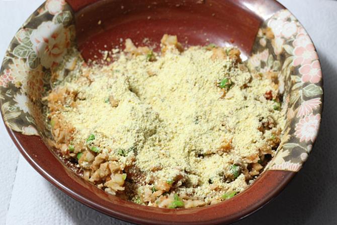 dry roasted besan for seekh kebab