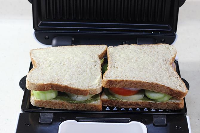 grilling sandwich in toaster