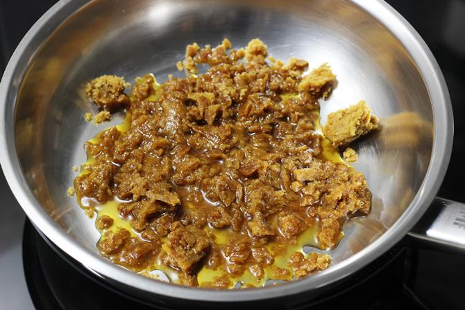 jaggery to make Ragi halwa recipe