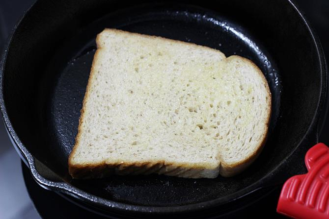 toast bread for paneer bhurji sandwich recipe
