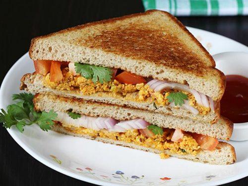 Paneer bhurji sandwich recipe in 10 mins | Tawa paneer sandwich