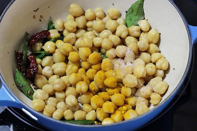 addition of chana to make senagalu recipe