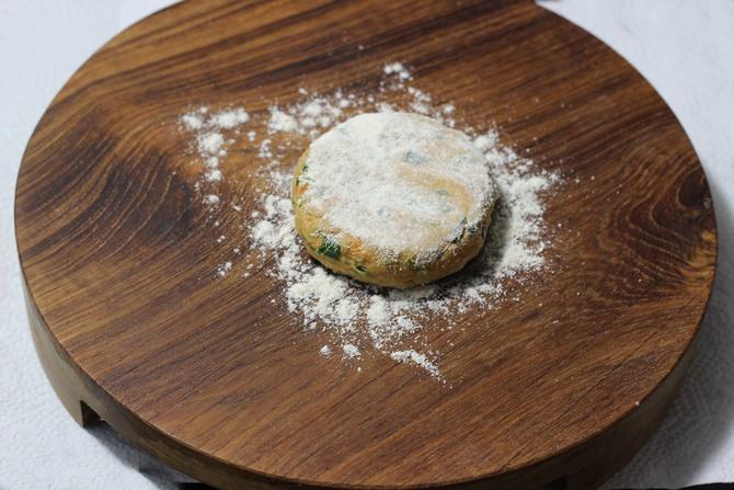 Sprinkle flour