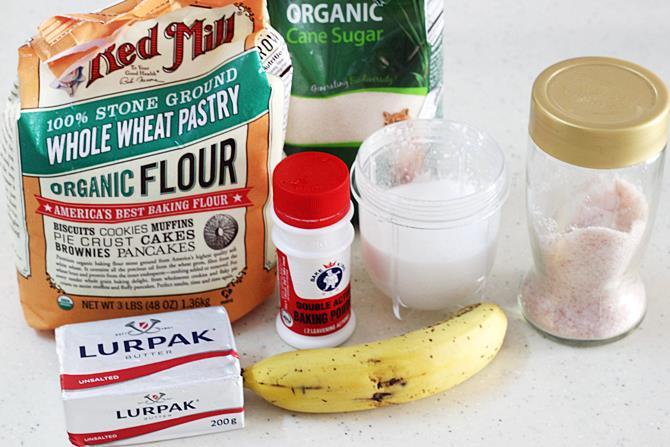 ingredients to make eggless banana pancakes recipe