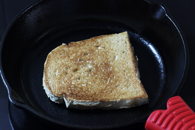toasting bread to make mayo sandwich recipe