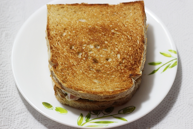 covering with a slice of bread to make mayonnaise sandwich recipe