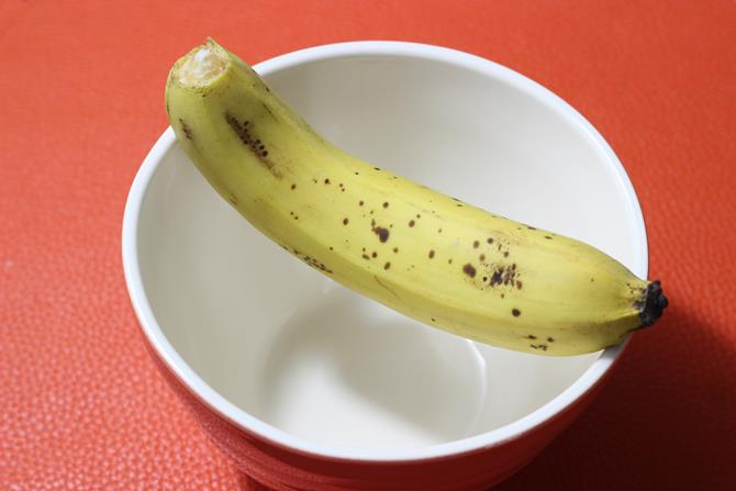 medium sized banana for paniyaram