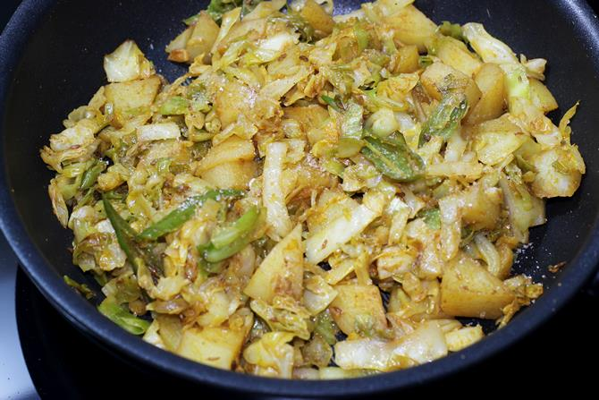Cabbage Sabzi Cabbage Potato Recipe Swasthi S Recipes