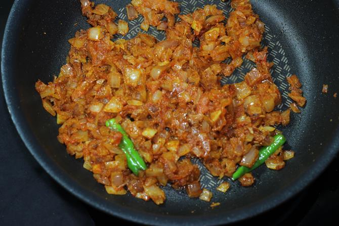onion tomato masala