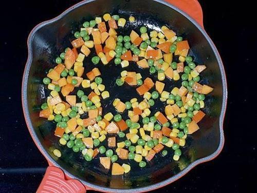 frying veggies to make white sauce pasta