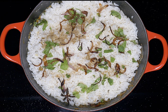 Layer the rice