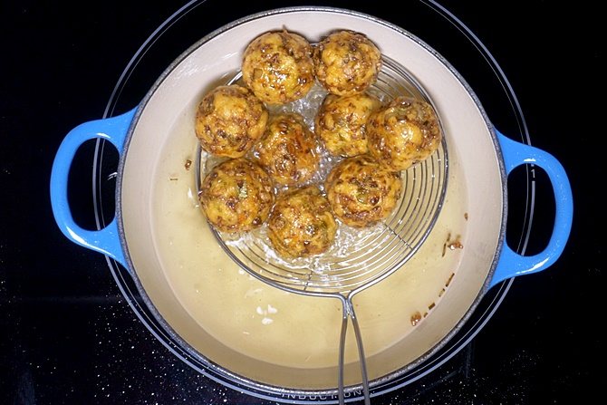 golden fried crisp veg balls for manchurian