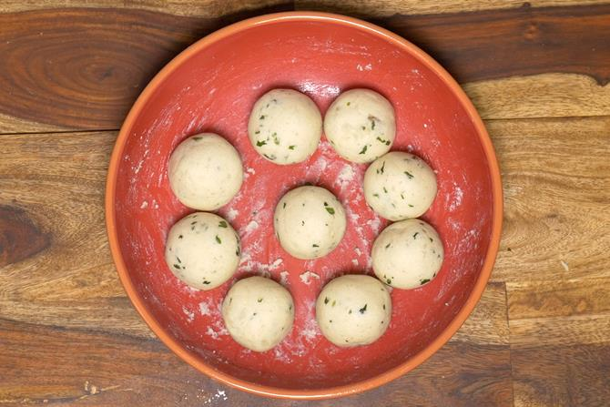 making balls for malai kofta recipe
