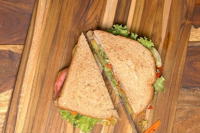 slice the club sandwich
