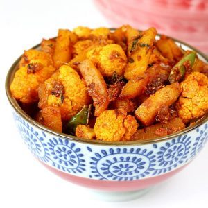 Aloo gobi dry recipe | How to make aloo gobi ki sabji | Cauliflower potato recipe