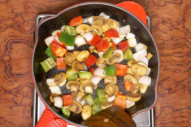 sauteing mushrooms to make mushroom recipe
