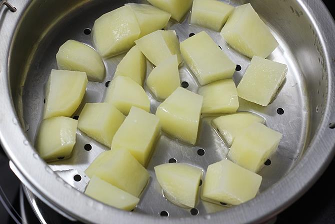 steam cooking potatoes for aloo chaat recipe