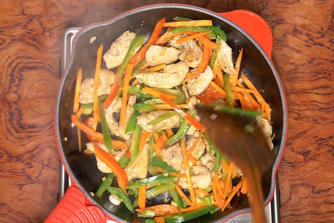 Mix chicken and veggies