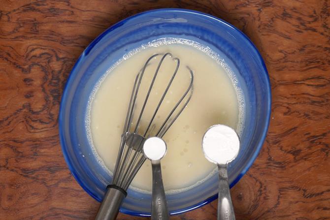 add baking powder to eggless sponge cake mixture
