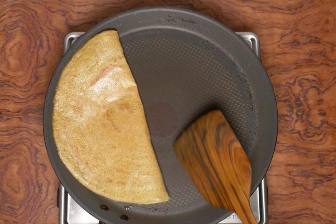 crisp fried mixed dal dosa