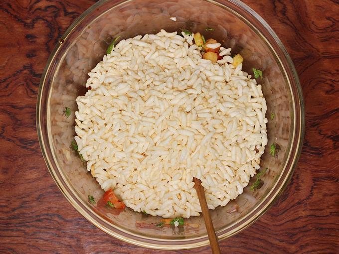 Pour crisp puffed rice