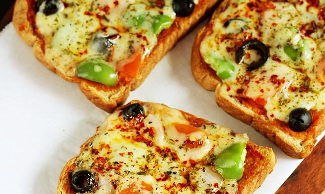 Bread pizza recipe video | How to make bread pizza | Bread snacks recipe