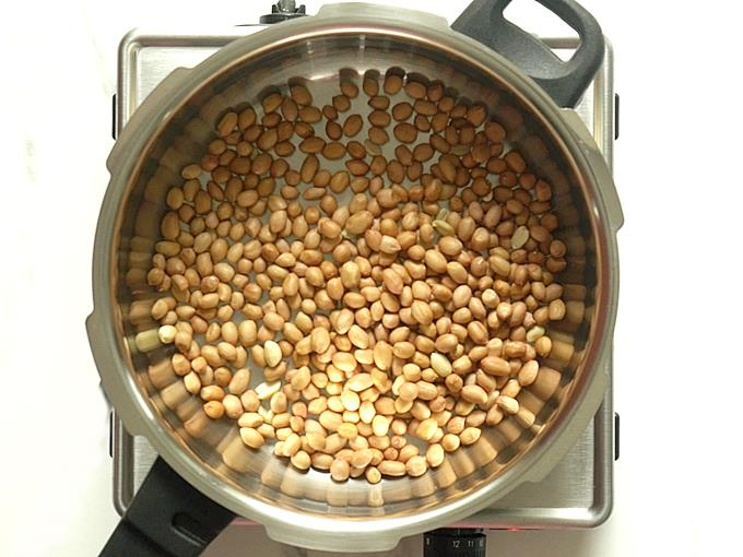 roasting peanuts to make chikki recipe