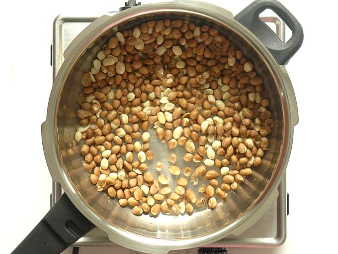 deep roasted peanuts for peanut chikki recipe