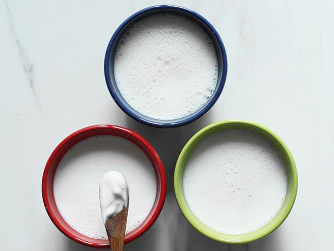 setting yogurt in bowls