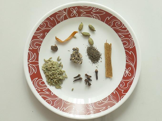 whole spices to make mushroom biryani