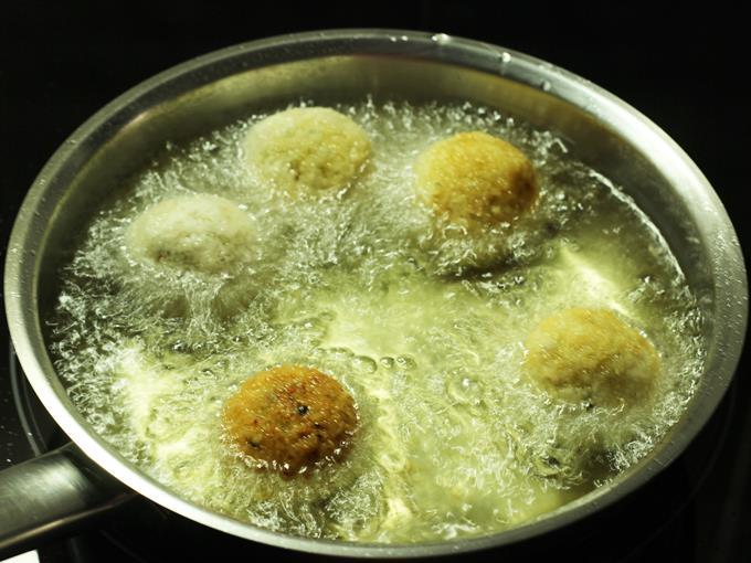 frying cheese balls in hot oil