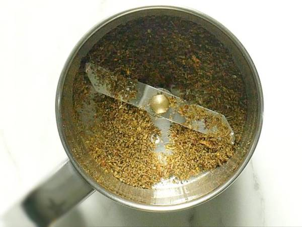 make a fine powder of spices to make rasam recipe